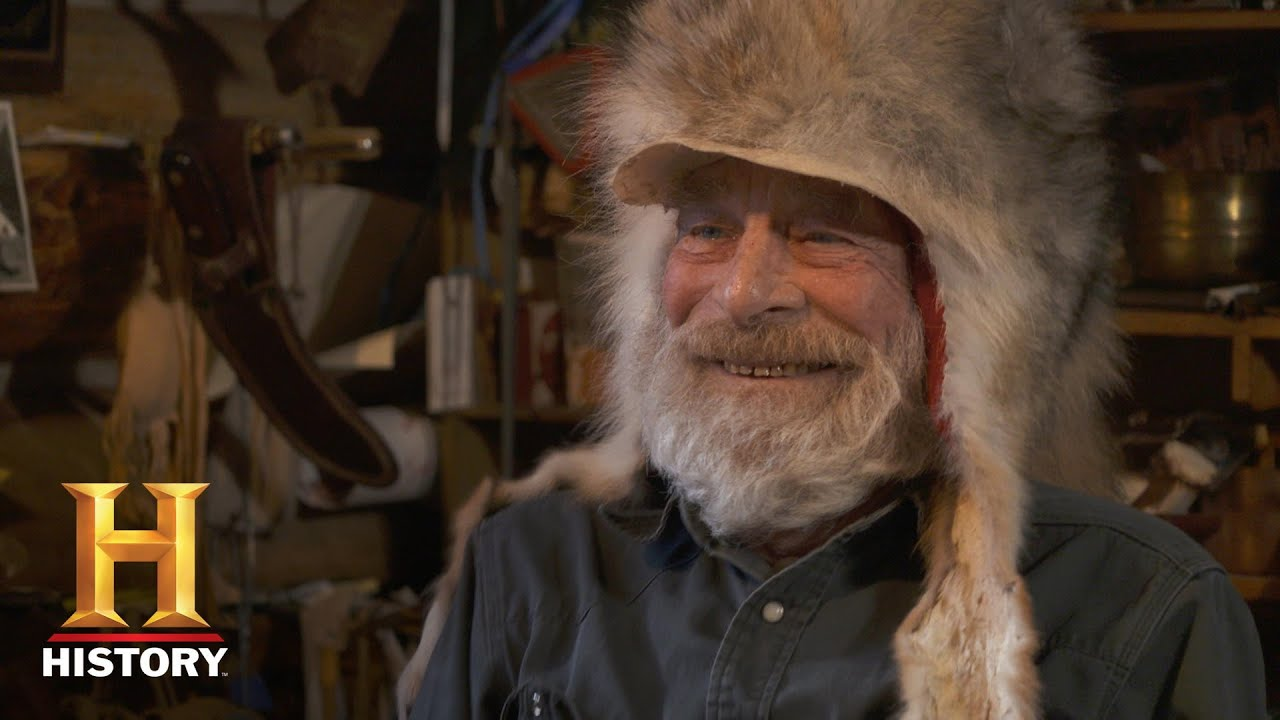 Download Mountain Men: Tom and Nancy Craft Coyote Hats (Season 9)   History