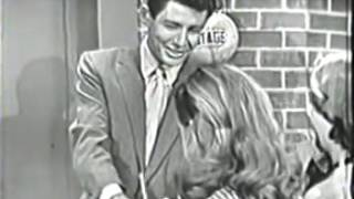 1950s Pop Music: Eddie Fisher singing Tell Me Why on his TV show (Aired live, 1953)