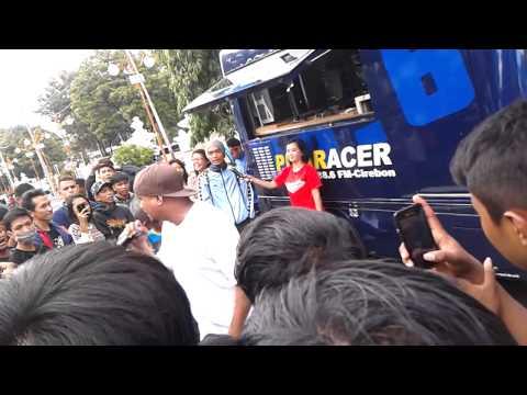 [Live] 8 Ball - Kenalan @ Car Free Day, Cirebon