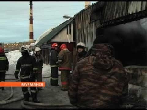 В Мурманске дотла выгорел большой автосервис