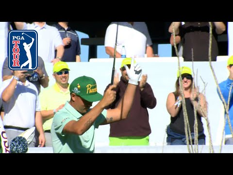 Rickie Fowler plays to crowd before birdying No. 16 at Waste Management