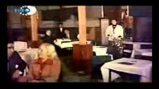 Bülent Ersoy Neden Saçlarin Beyazlanmiş Arkadaş  Siralardaki Heyecan Filmi 1976 )   YouTube
