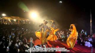 yo yo honey singh and mafia mundeer performing in noida @ tech mahindra live part-5