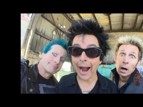 Green Day  - Troubled Times (lyrics)