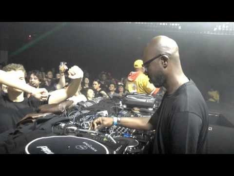Black Coffee dropping Diephuis - Crossing Borders (Manoo's Refugee Remix) at Club Annabel