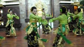 Tari Sparkling Surabaya