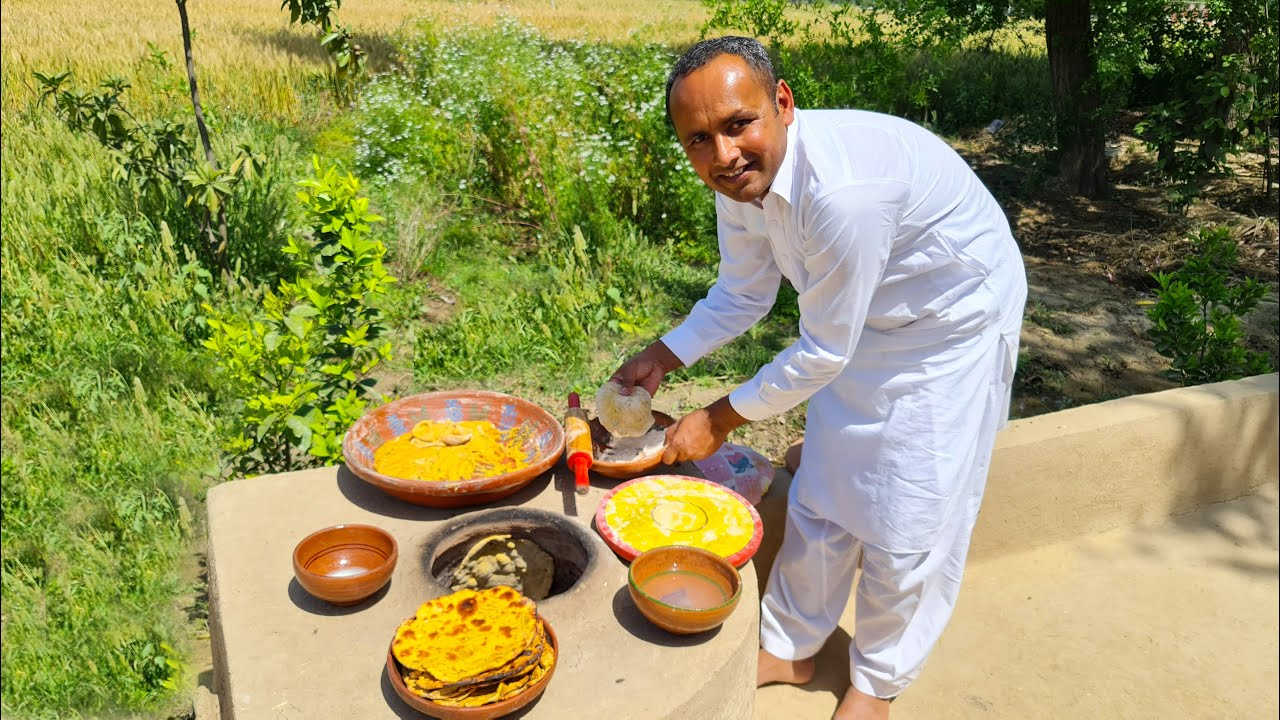 Tandoori Missi Roti   Punjabi Missi Roti   مزیدار پنجابی مسی روٹی   Mubashir Saddique   Village Food