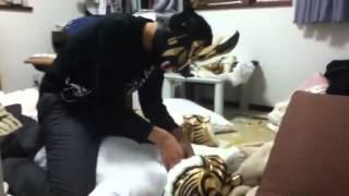 マスク剥ぎ取り(タイガーマスクvsライガーその二) thumbnail