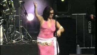 Natacha Atlas - Mon amie la rose / Festival du Bout du Monde 2003