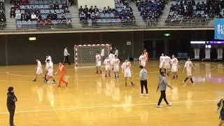 【ハンドボール】法政二高 名物試合前の 威嚇のフットワーク