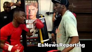 roger mayweather working mitts with joseph agbeko EsNews Boxing