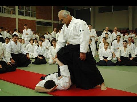 Хироси Исояма  - легендарный мастер Айкидо.