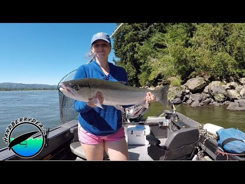 Fishing For HUGE Columbia River Steelhead With Goins Outdoors