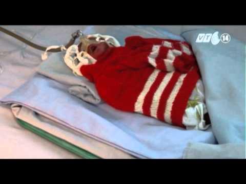 VTC14_Cháu bé sinh non bị chẩn đoán sai đã tử vong