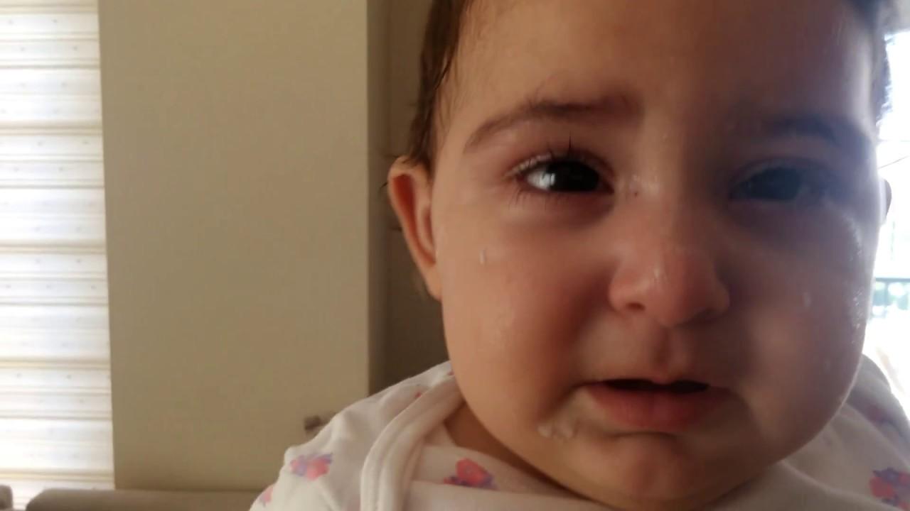 Bebeklerin gözleri neden kızarır, ne yapılmalı