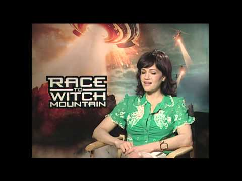 "Race To Witch Mountain: Carla Gugino ""Dr Alex Friedman"" Exclusive Interview"