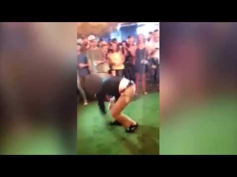 Un axente do FBI dispara accidentalmente a un home bailando nun bar de EEUU