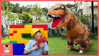 거대 공룡 세계 빠진 상어가족 슈퍼히어로! 공룡 동굴 방탈출 할까? ♡ 티라노 테마파크 놀이터 놀이 dinosaur playground | 말이야와아이들 MariAndKids