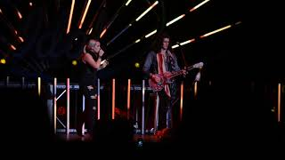 Gabby Barrett & Cade Foehner - INXS' Never Tear Us Apart @ American Idol Live Tour 2018