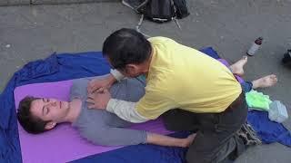 luo dong best street massage*asmr*back massage...