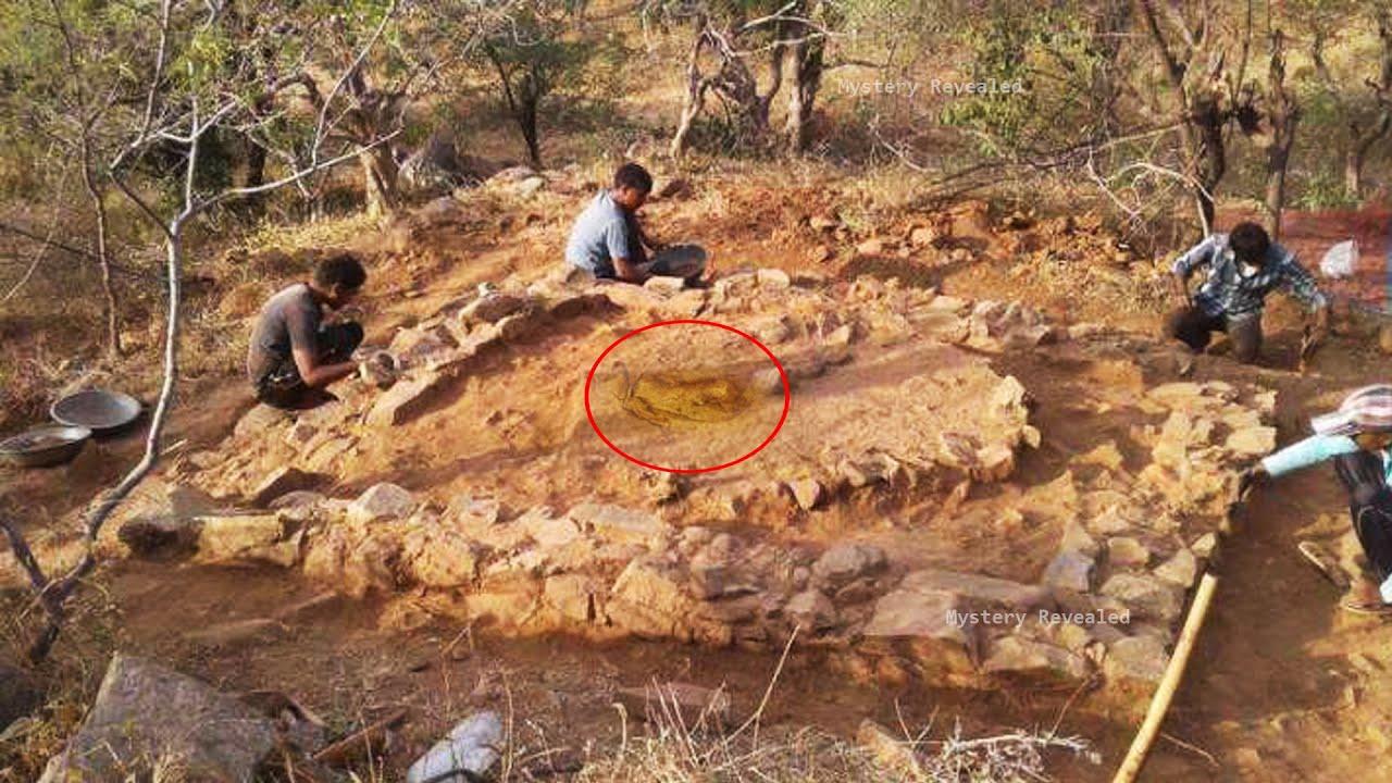 खोजकर्ताओं को मिला दुनिया के सबसे पहले आदमी का फुटप्रिंट   Oldest Human Footprint & 2 Other Facts  
