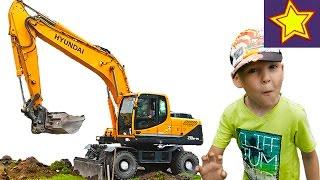 Про экскаватор. Желтый экскаватор роет землю. Видео для детей  Kids video about excavator(Привет, ребята! В этой серии Игорюша наблюдает за работой большого желтого экскаватора, который копает..., 2016-07-15T06:00:30.000Z)