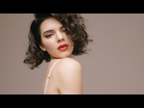 Kendall Jenner Does A STELLAR Impersonation Of Marilyn Monroe