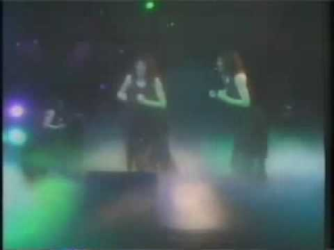 kate bush - wuthering heights (2)