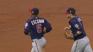 MIN@HOU: Milone gets double play to avoid trouble