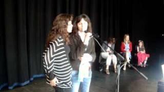 """Naisrín & Zahrah Elsafty """"La Ahada Yalem [No One Knows]"""" (live, Dublin, 12 08 2010)"""