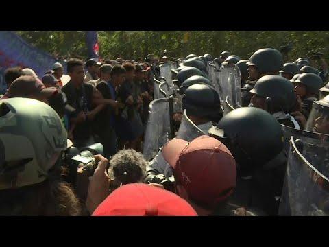 afpbr: Forças mexicanas detêm 800 migrantes de caravana   AFP