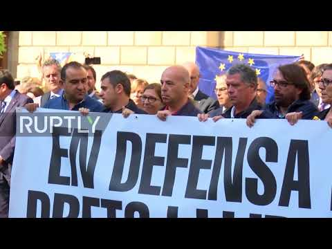 Spain: Catalan leaders join protesters to demand freedom for Sanchez and Cuixart