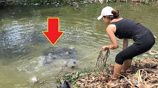 Top 3 Most Unbelievable Girl Cast Net Fishing Big Fish!