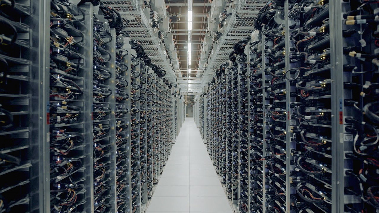 google-rows-of-servers-the-tech-news