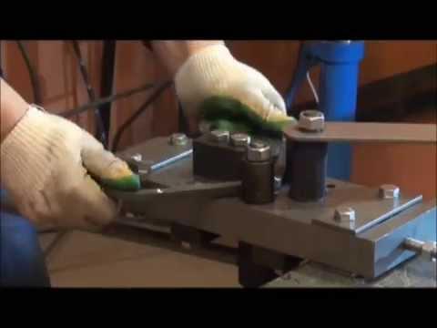 ИнструментГнутик: художественная ковка металлических полос, прутка, квадрата.