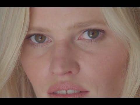 Lara Stone : her funniest Cannes Film Festival story | VOGUE PARIS