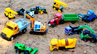 Строительные машины экскаватор кран самосвал бетоновоз трактор с прицепом  Construction toy trucks(Даниэль играет в песке со своимим любимыми спец автомобилями: грузовые автомобили, машины, строительные..., 2017-02-05T14:50:01.000Z)
