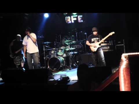 Out of Exile: Audioslave tribute - Set it off