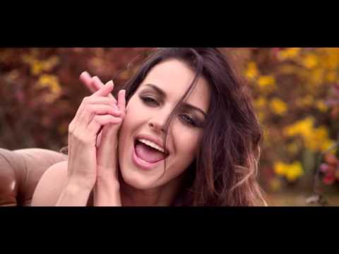 Смотреть клип Катя Баженова - Жёлтые Листья