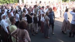 Dziesmu svētki 2013,folk. dienas danči pie Brīvības pieminekļa 6.07.2013 -00078