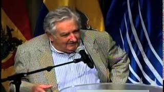 """Las mejores frases de José """"Pepe"""" Mujica (MOTIVACION)"""