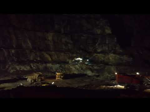 Los Santos Mine - Working at night at Day 1 Pit