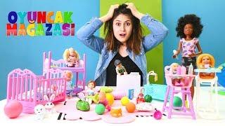 Oyuncak mağazası - Bebek bakıcı Barbie oyuncağı