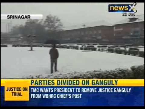 NewsX: Heavy snowfall in Kashmir, Srinagar-Jammu National Highway closed