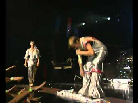 Aaron Carter making funny with Britney's concert tickets (2001/2002)