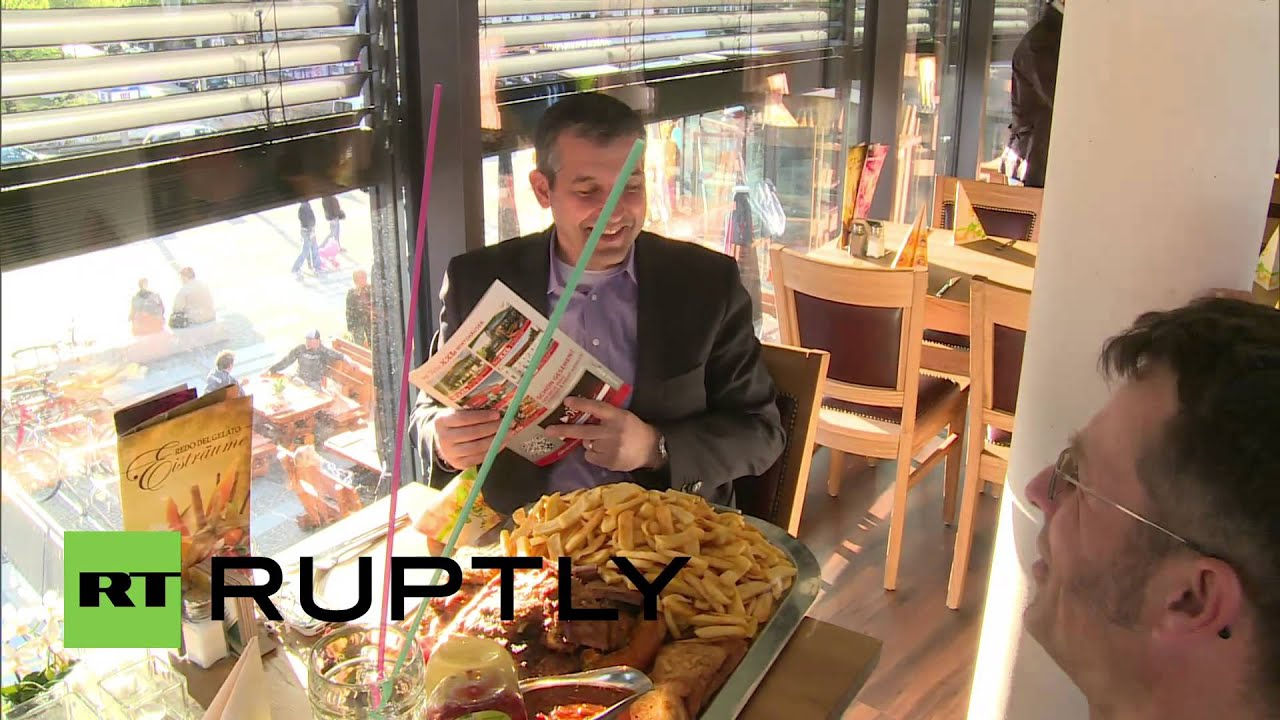 Germany supersized schnitzel launches at berlin 39 s first for Cuisine xxl allemagne