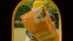 Kibble and chunks pet food commercial