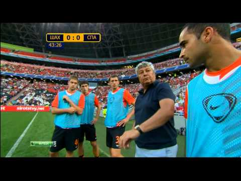 LOLZ! Shakhtar coach Mircea Lucescu doesn't want the TV cameras listening in