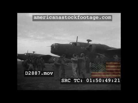 1939 RAF Bomber Teams Signal Thumbs Up D2887