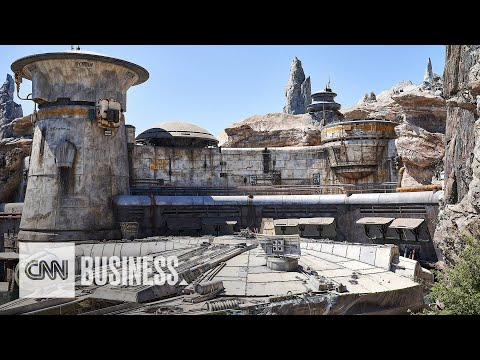 Shelley Wade - Here's Your First Look Inside Star Wars: Galaxy's Edge!